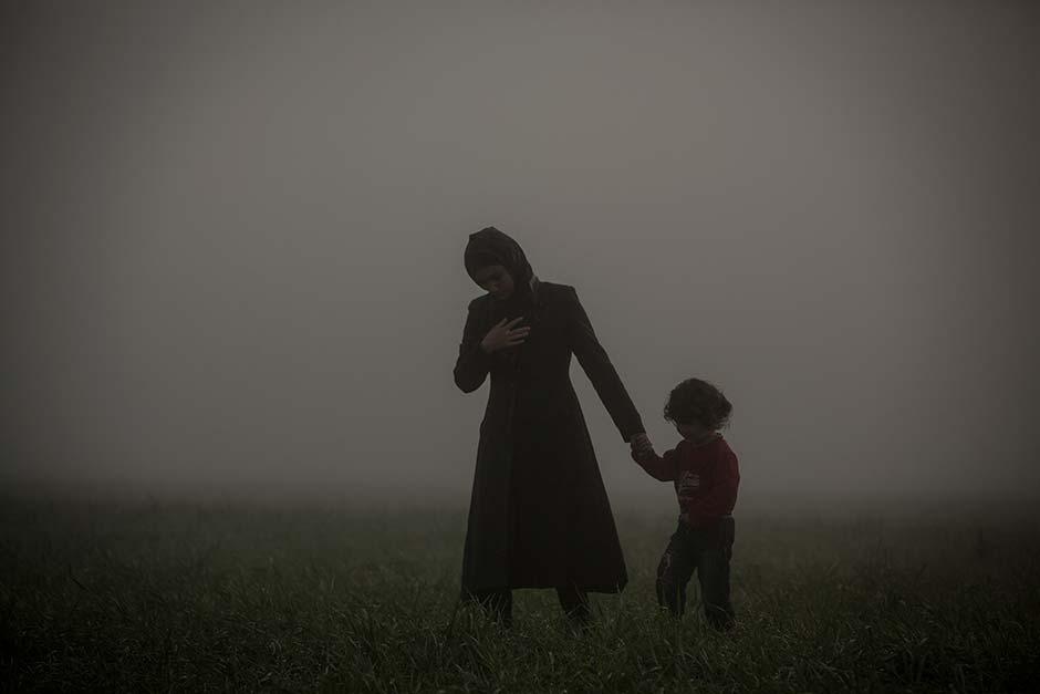 Olmo Calvo realiza la ruta de los Balcanes para documentar con imágenes su cierre y la crisis humanitaria generada.
