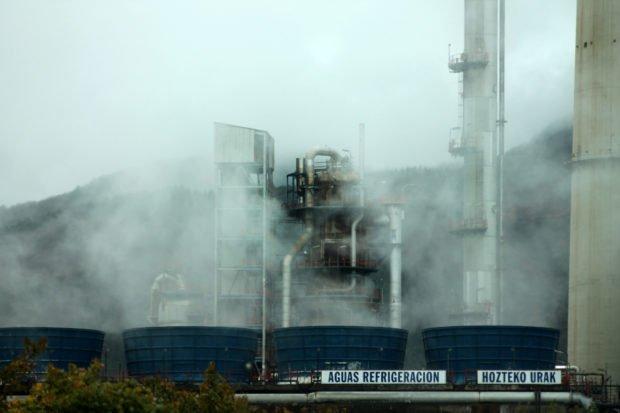 Muskiz es un pueblo acostumbrado a vivir con los humos de la refinería de petróleo.