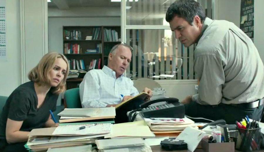 Reunión editorial (en la ficción) del equipo Spotlight del Boston Globe. Una inspiración para la profesión.