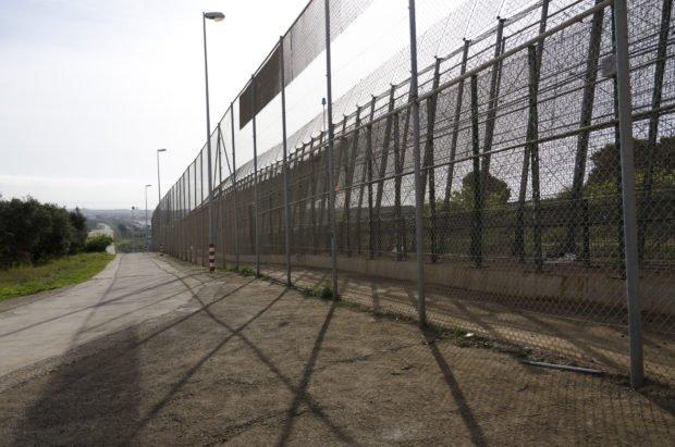 Valla fronteriza en Melilla. Foto / Laura Tárraga