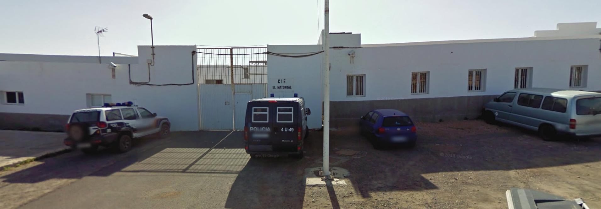 Captura de Google Maps correspondiente a 2011, cuando aún estaba en funcionamiento el CIE de El Matorral. Foto / Google Street View