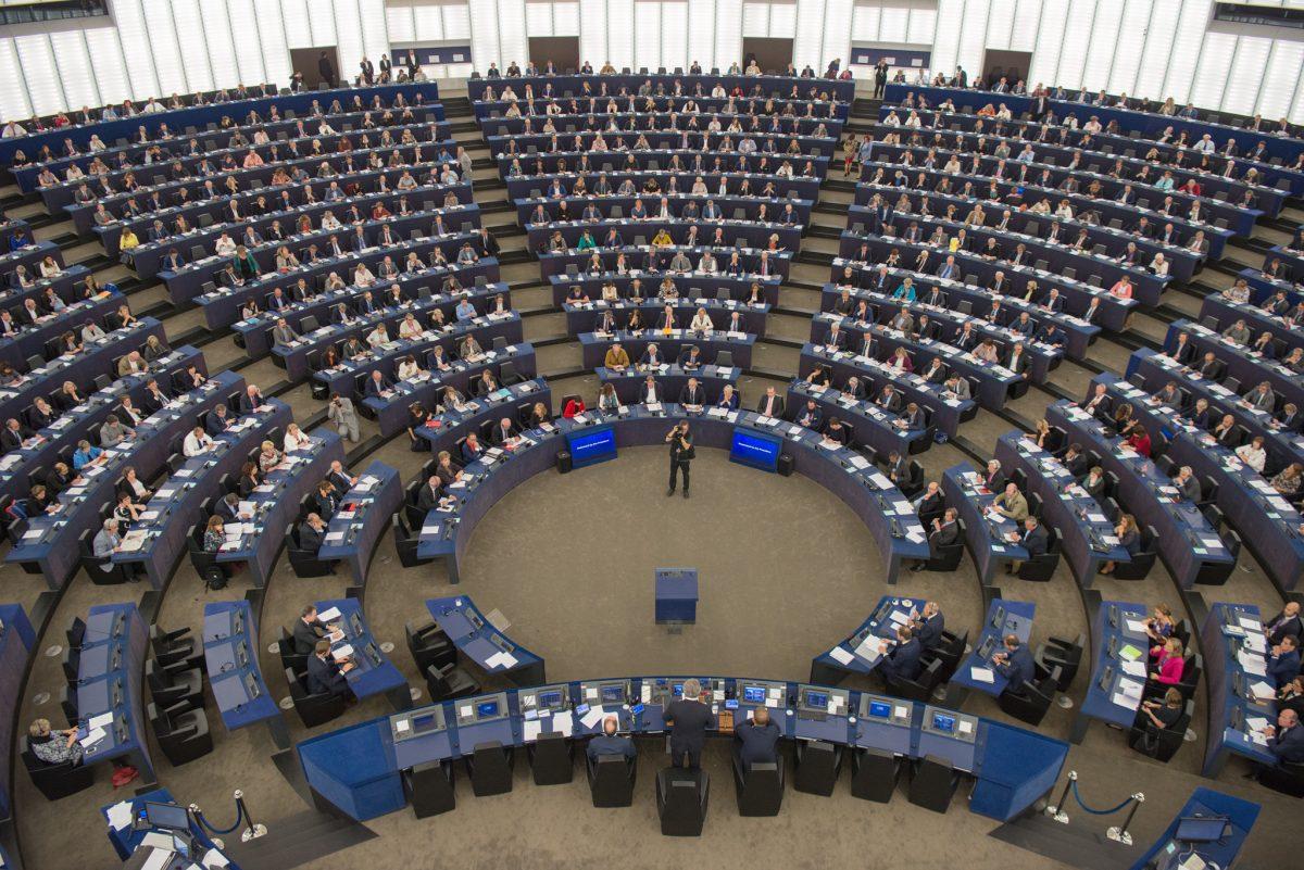 El presidente Tajani se dirige al plenario del Parlamento Europeo en septiembre de 2017.