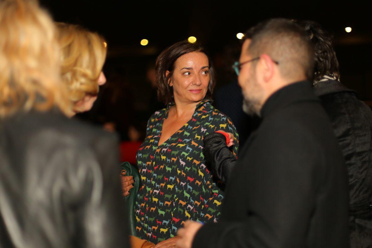 Pepa Bueno, junto a otros invitados a la premier de 'Marea humana'. Foto / Natalia Diez
